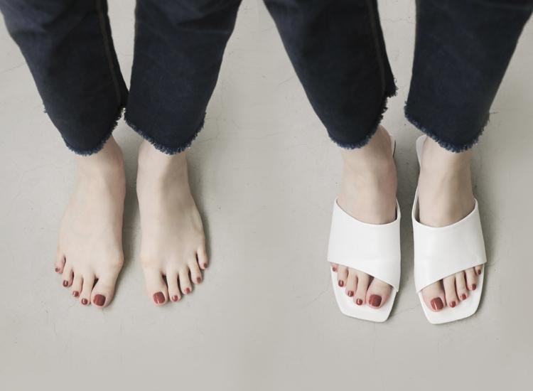 D+AF 拇指外翻涼鞋特輯 愜意寬版 方頭低跟拖鞋 斜切設計 寬版涼鞋 時髦拖鞋