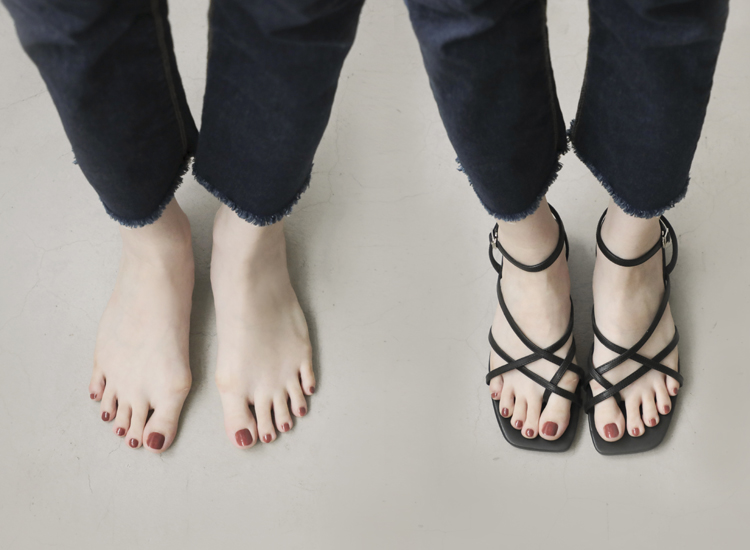 D+AF 拇指外翻涼鞋特輯 優雅夏氛 交叉細帶涼鞋 夾腳細帶涼鞋 細帶低跟涼鞋穿搭
