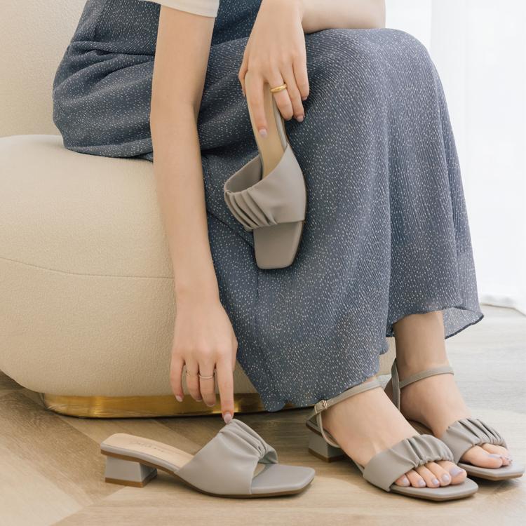 D+AF 夏日時髦好穿有型涼鞋 輕盈浪漫 QQ棉花糖 抓皺設計 雲朵涼拖鞋