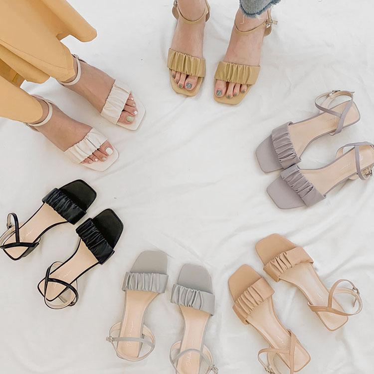 D+AF 夏日時髦好穿有型涼鞋 QQ棉花糖 抓皺設計 雲朵涼拖鞋