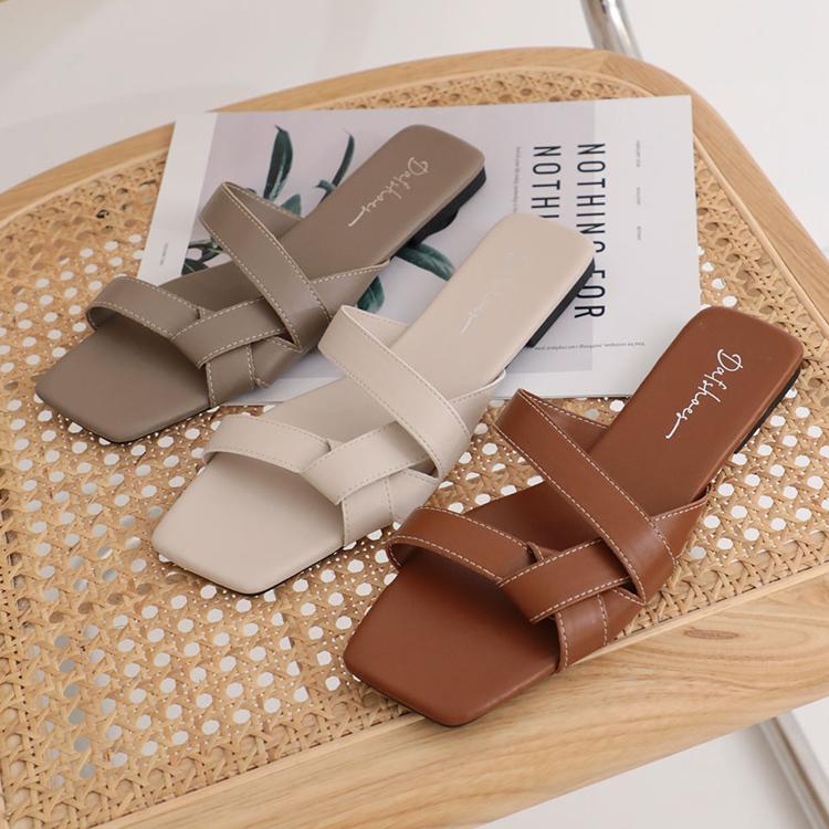 D+AF 夏日時髦好穿有型涼鞋 歐美指標 扭結設計 平底拖鞋 扭結拖鞋 方頭拖鞋