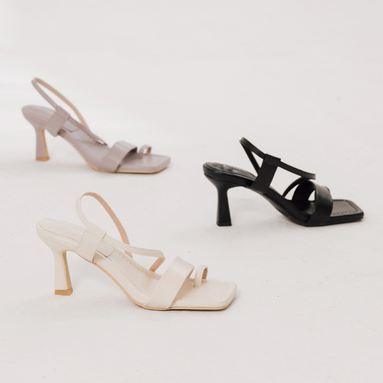 D+AF 夏日時髦好穿有型涼鞋 浪漫假期 酒杯跟涼鞋 一字套指涼鞋