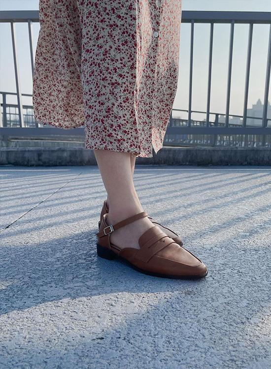 D+AF微尖頭踝繫帶樂福鞋 小隻女穿搭 小隻女 樂福鞋