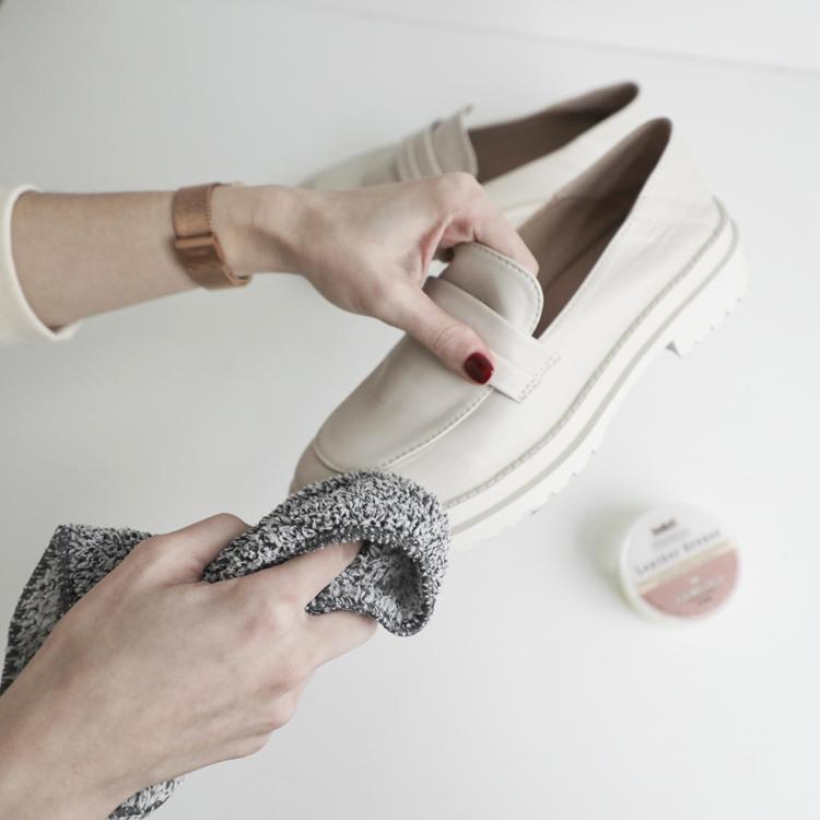 D+AF 回歸上班!回家多一個步驟更安心 鞋子消毒 肥皂水清潔
